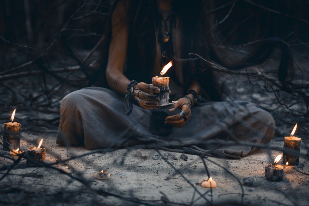 Rituale: Foto: © Zolotarevs / shutterstock / #1082187707